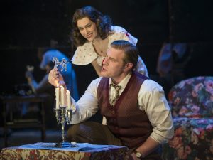 Milwaukee Rep's 'Glass Menagerie' shows power