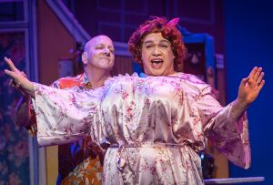 Wilbur (Bob Edes, Jr.) and Edna Turnblad (Sean Patterson). (Photos by Michael Palumbo Photography)