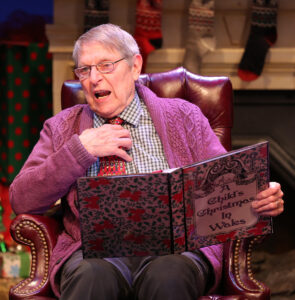 """Cullum in The Irish Rep's production of """"A Child's Christmas in Wales."""" (Photo courtesy The Irish Rep)"""