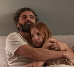 """Jonathan (Oscar Issac) and Mira (Jessica Chastain) in """"Scenes from a Marriage."""" (©2021 HBO)"""